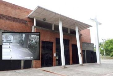 Hombre se tomó vino de consagrar en Iglesia de San Joaquín en Cali y luego robó un piano