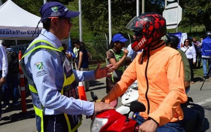 Incorporan 36 agentes de tránsito que controlarán la movilidad en municipios del Valle