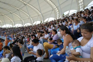 'Lactatón' rompe Guinness Records con más de 5.000 madres lactantes en Cali