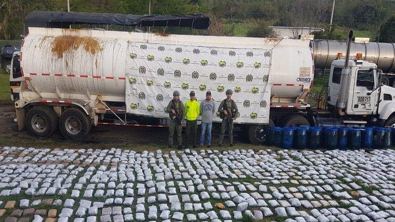 Incautan una tonelada de marihuana transportada en carrotanque en el Valle