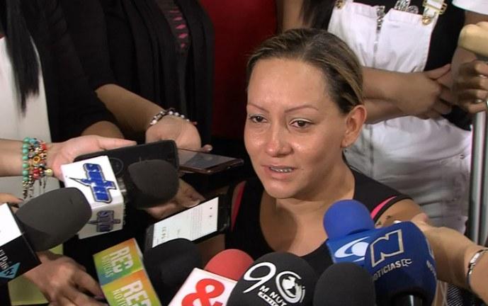 Ecuador pide circular roja de Interpol para extraditar a mujer vinculada al 'narcobus'