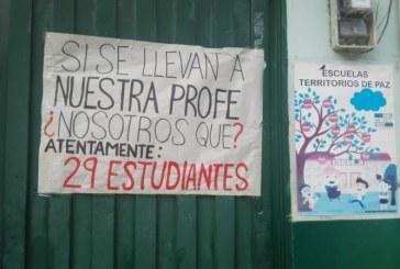 Padres y estudiantes protestan por falta de docentes en Instituciones Educativas en Valle