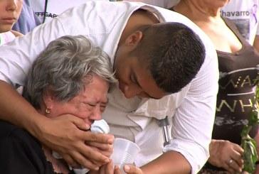 Video: dramáticos momentos en El Guabal en último adiós a víctimas de 'narcobus'