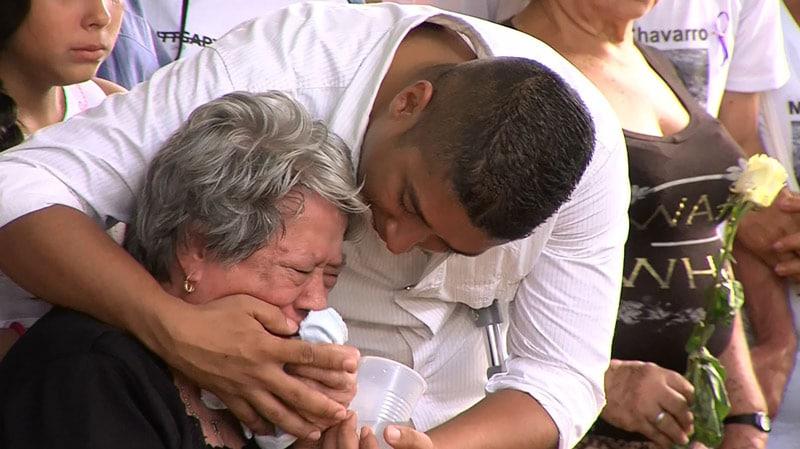 Luego de un año, familiares honran a víctimas del 'narcobus' accidentado en Ecuador