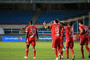 Remontada en el Pascual: América se impuso ante el Rionegro Águilas 2-1