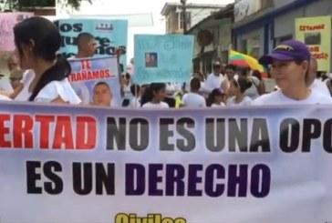 Familias de secuestrados por el ELN marcharon por la liberación de seres queridos