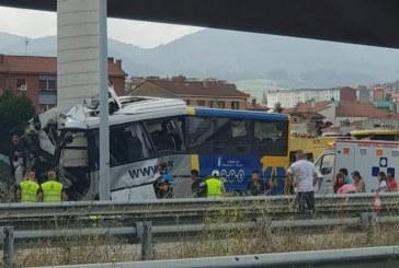 Grave accidente de autobús en España deja cuatro fallecidos y varios heridos
