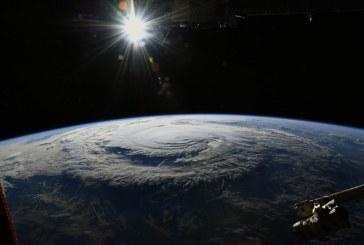Huracán Florence toca tierra en Carolina del Norte con vientos de 150 km/h
