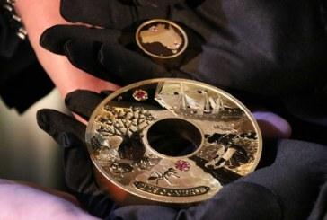 Video: lanzan moneda de dos kilos de oro con diamantes, vale US$1,8 millones