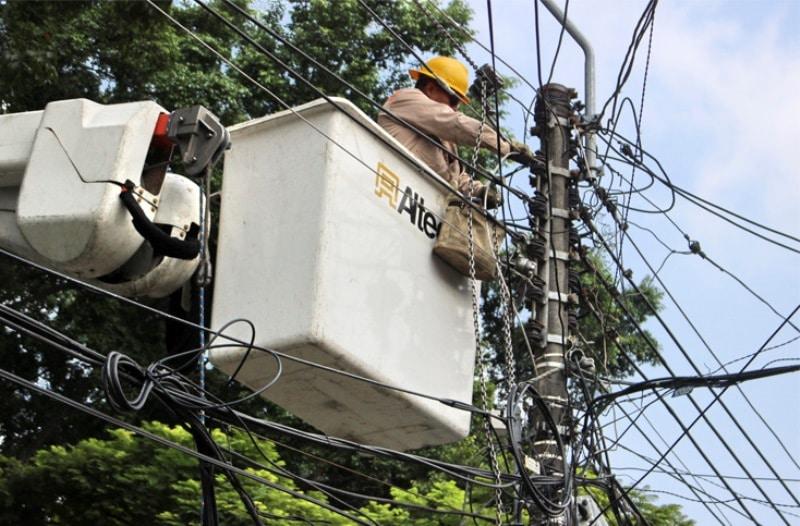 Tras lluvias de las últimas horas, más de 30 sectores de Cali no tienen servicio de energía