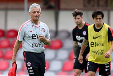 Reinaldo Rueda a la espera de definir su futuro en la Selección de Chile