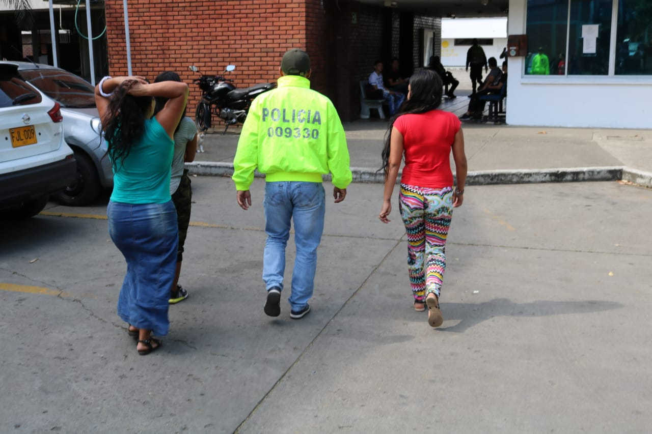 Tres adolescentes obligan a una niña a fumar marihuana en Colombia