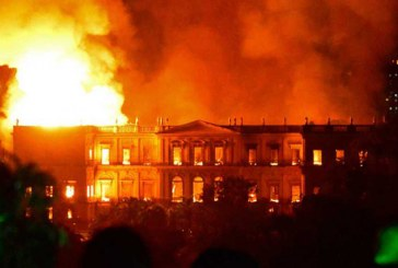 Video: Un gran incendio devora al Museo Nacional de Brasil en Río de Janeiro