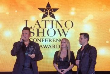 Lluvia de estrellas en la gala de premiación de premios Latino Show 2018