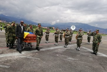 Rinden honores a militares muertos tras siniestro de helicóptero en Argelia, Cauca