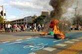 Estudiantes de Univalle bloquearon el paso en la estación Universidades del Mío