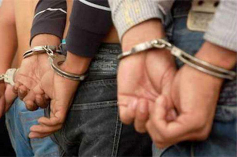 Nueve capturados, más de 100 dosis de narcóticos y cuatro establecimientos cerrados
