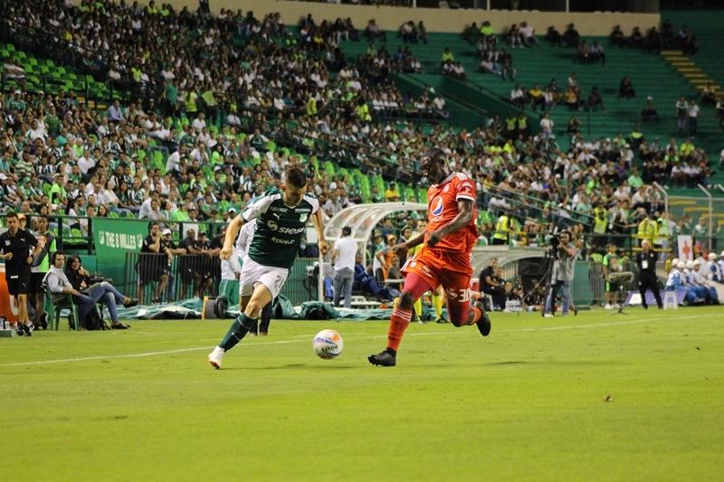 ¿Qué hay detrás del anunció de huelga de futbolistas colombianos desde el 3 de noviembre?