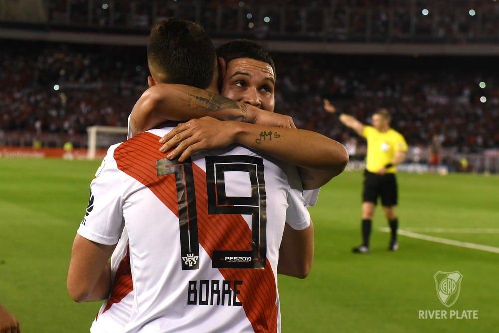 Rafael Santos Borré se reportó en la contundente victoria 1-6 de River sobre Racing