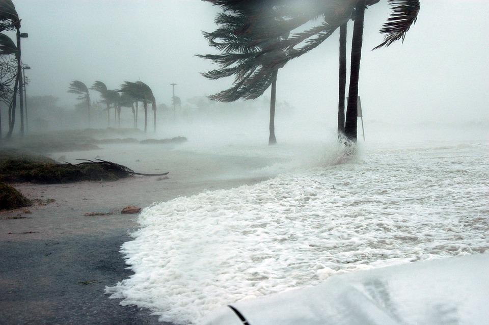"""Huracán Willa asciende a categoría 5 y es """"potencialmente catastrófico"""""""