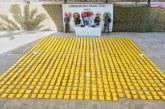 Incautan 940 kilogramos de cocaína escondida en embarcación en Tumaco