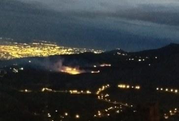 Durante 9 horas, Bomberos de Yumbo lucharon para apagar incendio forestal en Dapa