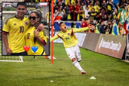 La reacción del 'Cucho' Hernández al ver foto en el gimnasio de su bella mamá