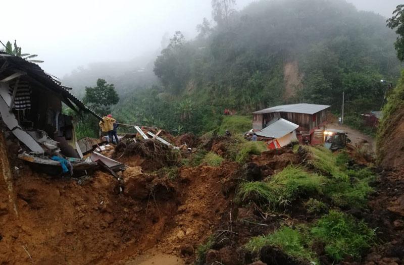 Al menos once personas muertas por derrumbe en Marquetalia, Caldas