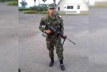 Mientras dormía, soldado habría sido asesinado por compañero en Suárez, Cauca