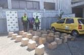 Taxista fue capturado por transportar 30 cajas de licor fraulento en Buenaventura