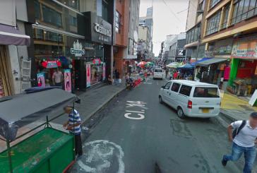 Tres personas habrían lanzado gas pimienta tras ser sorprendidas robando