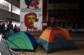 Noche previa a disturbios en Universidades, estudiantes habían acampado en Univalle