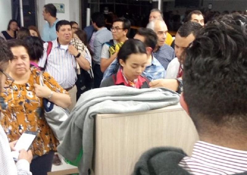 Más de 12 horas de espera tuvieron que aguantar 250 pasajeros de Avianca en Cali