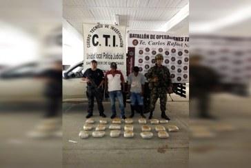 Capturan a dos hombres con 39 kilos de cocaína y 12 millones en Cauca