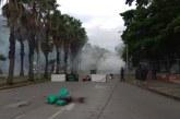 Fuerte congestión tras bloqueo en la Avenida Pasoancho por estudiantes de Univalle
