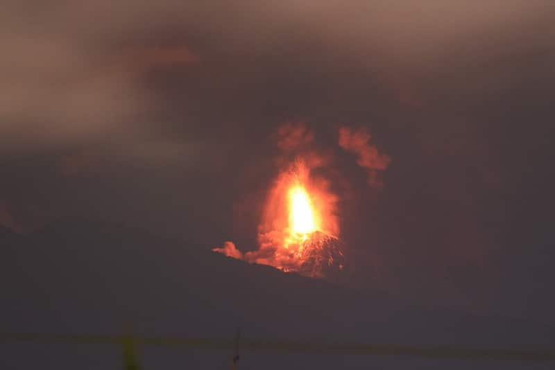 Cerca de 4.000 evacuados en Guatemala por nueva erupción del Volcán de Fuego