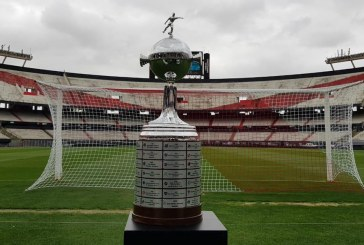 Tras ataque a bus de Boca, final de Copa Libertadores se jugaría a las 5:15 p.m.