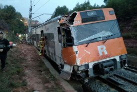 Un muerto y 133 afectados por el descarrilamiento de tren en España