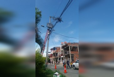 Contratista de energía habría muerto electrocutado en poste de Palmira, Valle