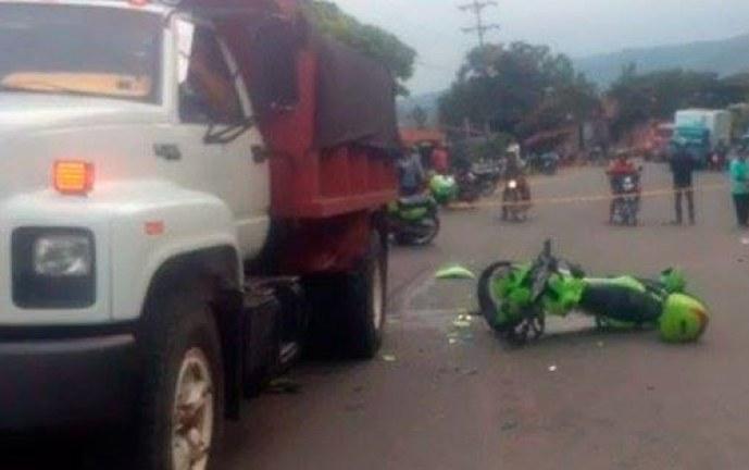 Un policía muerto y otro herido tras accidente durante persecución a ladrones