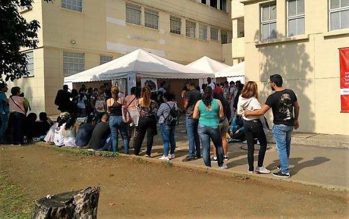 HUV conmemora Día Mundial del Sida con más de 500 pruebas gratuitas