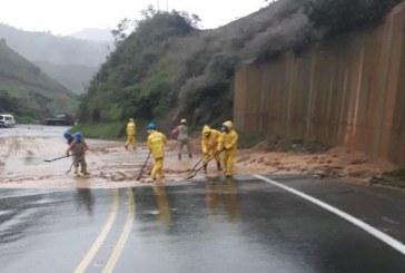 Tras derrumbes, vía Buga-Buenaventura sería despejada el mediodía de este jueves