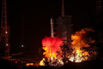 China pone en órbita elíptica su sonda de exploración lunar Chang'e 4