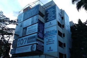 Edificio Mónaco, hogar de Pablo Escobar, amaneció rindiendo tribuno a sus víctimas