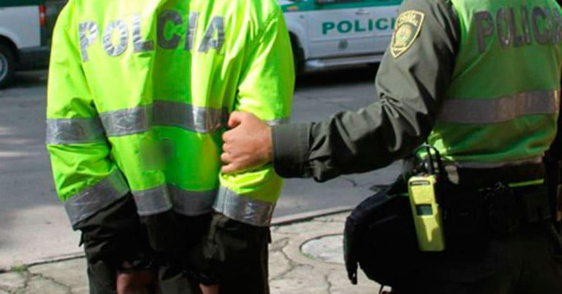 Patrullero pagará cárcel por pedir 800 mil pesos para devolver moto incautada