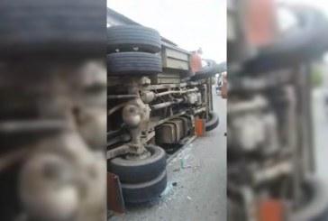 Volcamiento de un bus Transur deja nueve heridos en El Jardín, oriente de Cali
