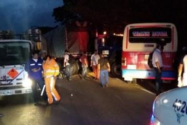 Aparatoso accidente de tránsito dejó diez personas heridas en vía Buga – Yotoco