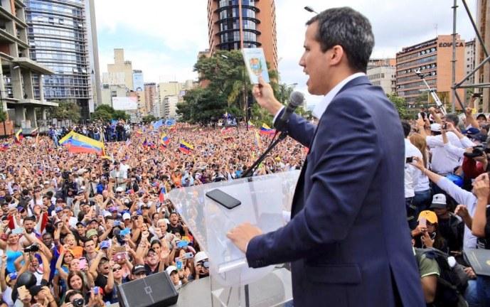 Maduro desafía a Guaidó a convocar elecciones en Venezuela