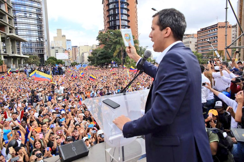 Eurocámara votó a favor de reconocer a Guaidó como presidente de Venezuela