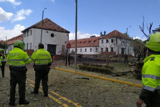Al menos 5 muertos por explosión de carro bomba en Escuela de Policía de Bogotá